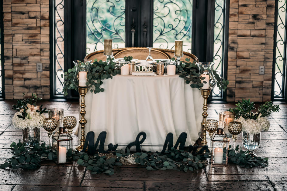 Bella Amore on Enchanted Acres Bride and Groom Head Table | Kropp Photography