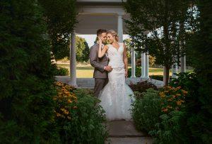 Peter Allen Inn wedding photo of Becky and Dylan